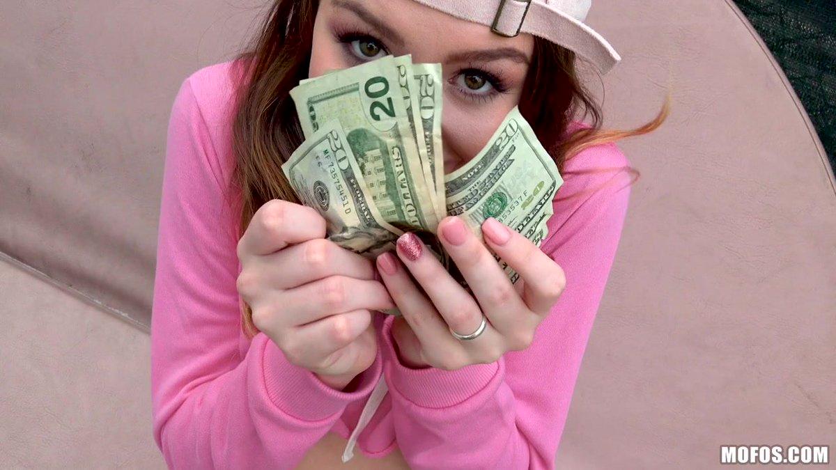 За деньги русские девки