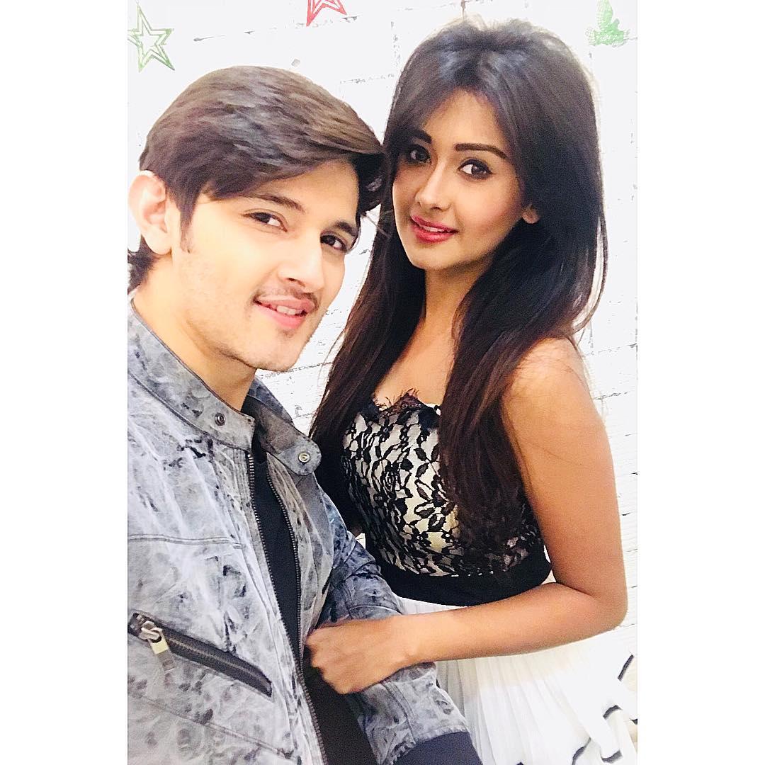 Perfect Stylish Couple RT🔁 for #Roka Lik...