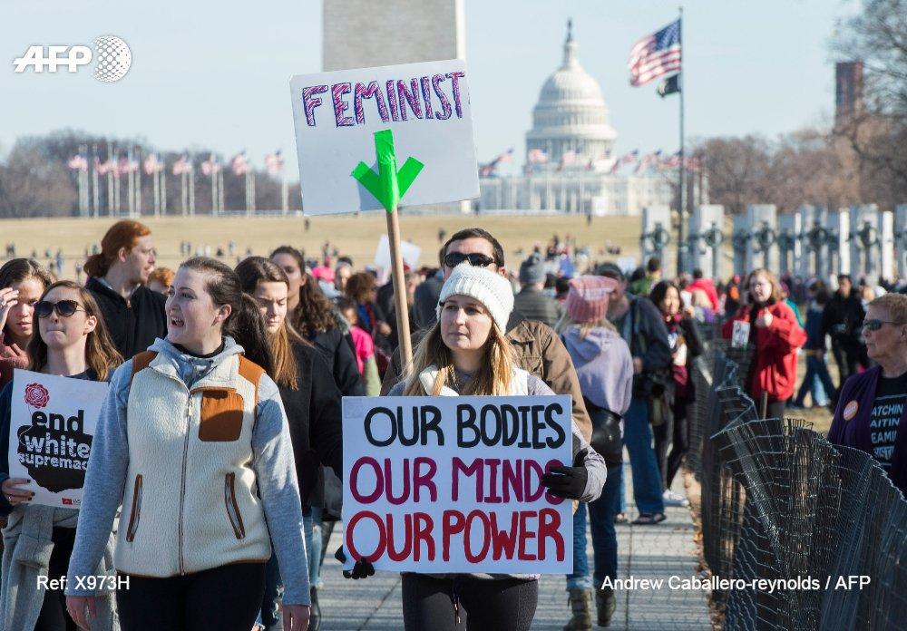 🇺🇸 Manifestations géantes hier pour la 2e #WomensMarch anti-Trump https://t.co/IbcW0tOYW4 par @verodupont &  @ctriomphe#AFP