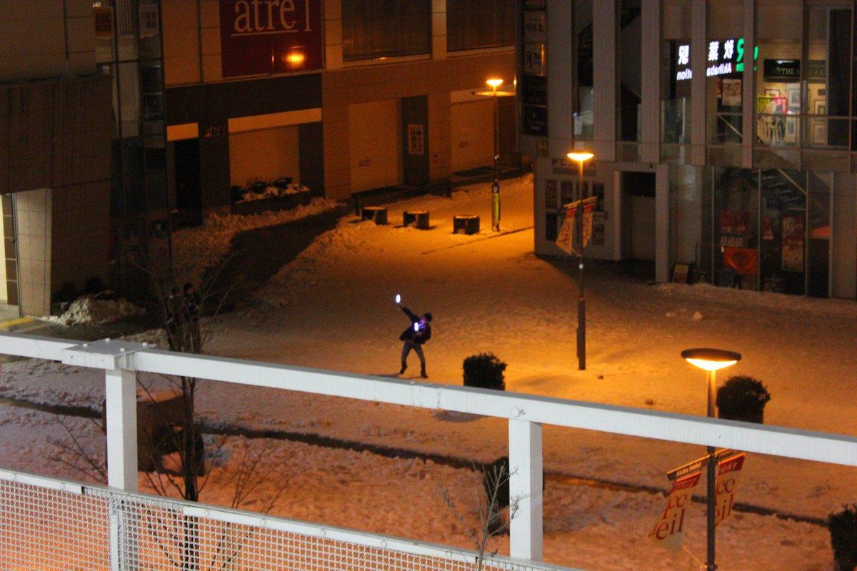 RT @denebo1a1eonis: 4年前の大雪の時に明け方の秋葉原でサイリウム振ってた誰か、今頃元気してるかなあ…? https://t.co/dKDlJX1E1n