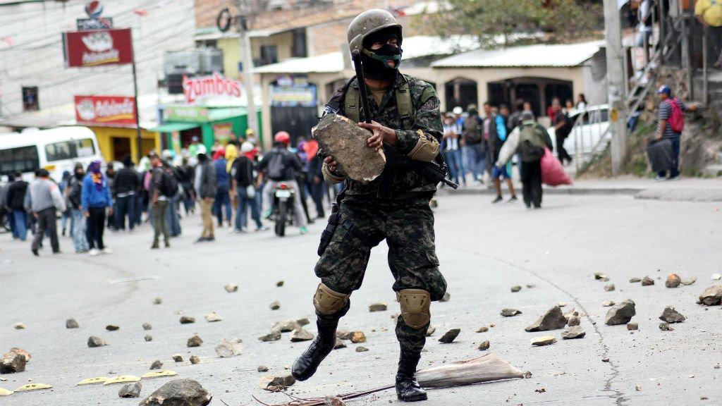 Honduras : un mort lors d'affrontements entre policiers et manifestants https://t.co/tEbNwY102K