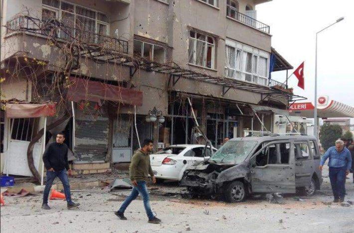 Quatre voitures, plusieurs locaux commerciaux et complexes résidentiels auraient été endommagés lors de l'attaque. Les forces de l'ordre ont été déployées ➡https://t.co/w10qLc8rDQ️ @ssyr79  📸