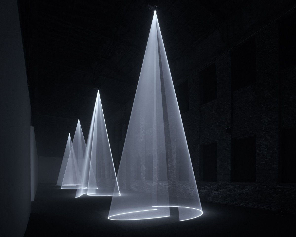 NYC: If you haven't yet seen the stunning 'Solid Light Works' show by Anthony McCall at @PioneerWorks_, do. It moved me the way Rothko moves people. The poetics of physics, of space and light, at its most enchanting. https://t.co/hEjB7FxBjc