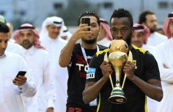 رسميًا : نادي #الاتحاد يجدد عقد افضل لاع...