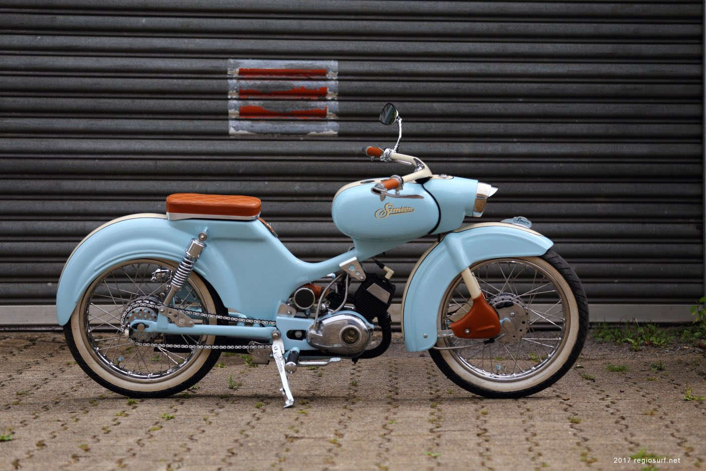 quirky rides on twitter simson spatz r70 east german ddr motorcycle with curvaceous. Black Bedroom Furniture Sets. Home Design Ideas