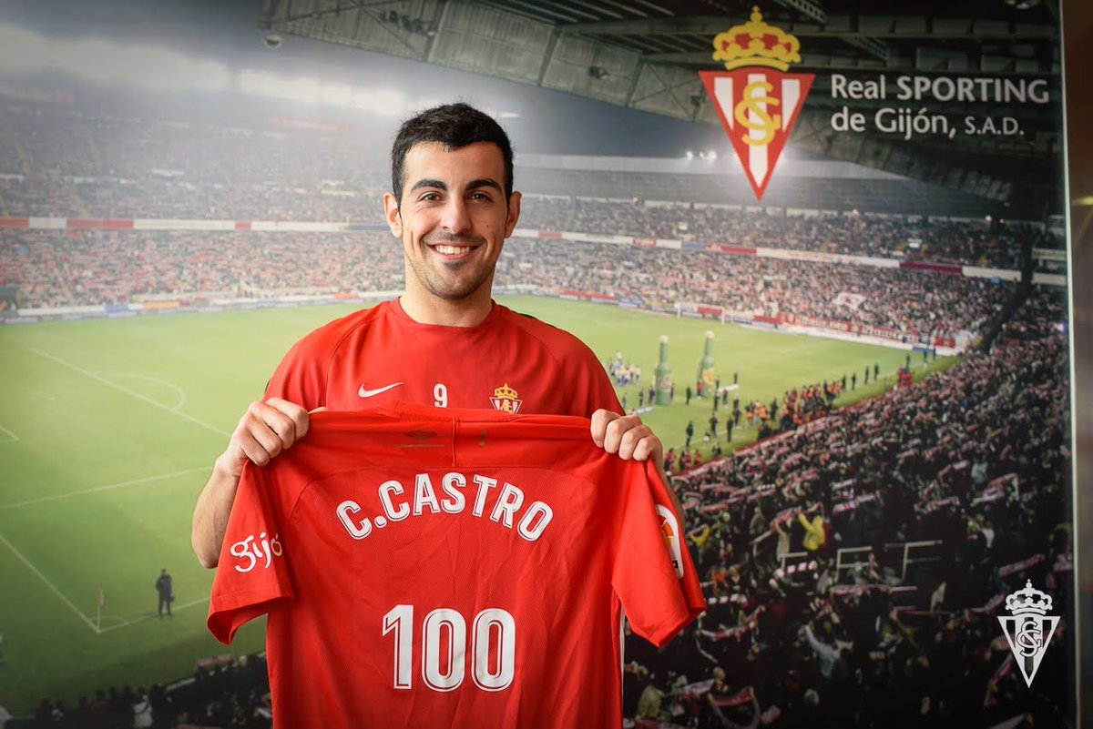 Felicidades @carlos9castro. Por muchos cientos más defendiendo este escudo y su camiseta! 😉 #Gijonudos