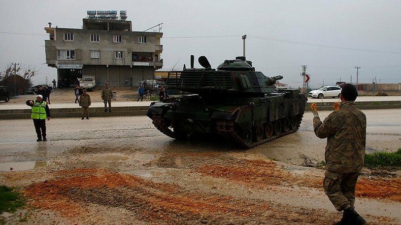 La ville frontalière turque d #Reyhanlie  a été frappée par des missiles lancés depuis  #Syriela . Le maire de cette ville fait état d'au moins un mort et d'une trentaine de blesséshttps://t.co/w10qLc8rDQ ➡️