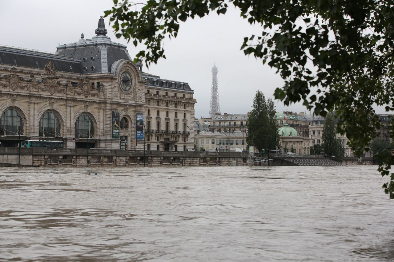 Paris je t'aime !  - Page 2 DUEw8DYXcAAYnVJ