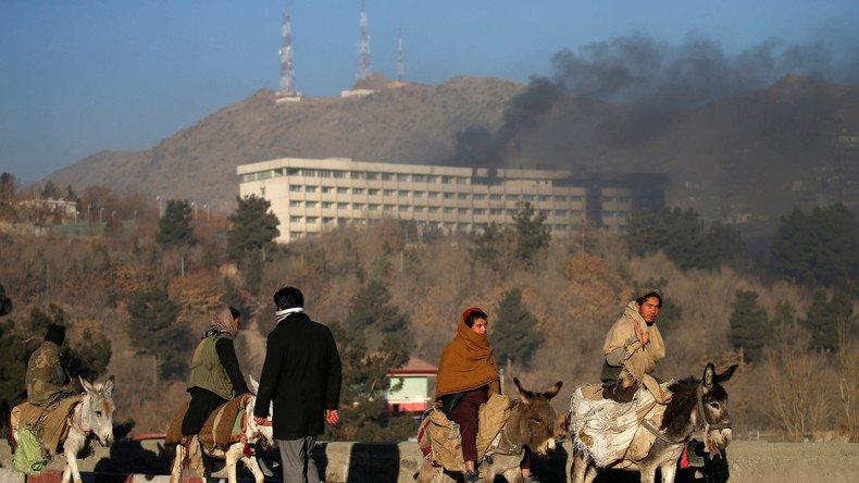 #Kaboul  :  'quatorze étrangers et quatr #Afghanse  ont été tués ' dans l'attaque de l'hôtel Intercontinental a déclaré un porte-parole du ministère de l'Intérieur https://t.co/ZTgkNRSGM3➡️