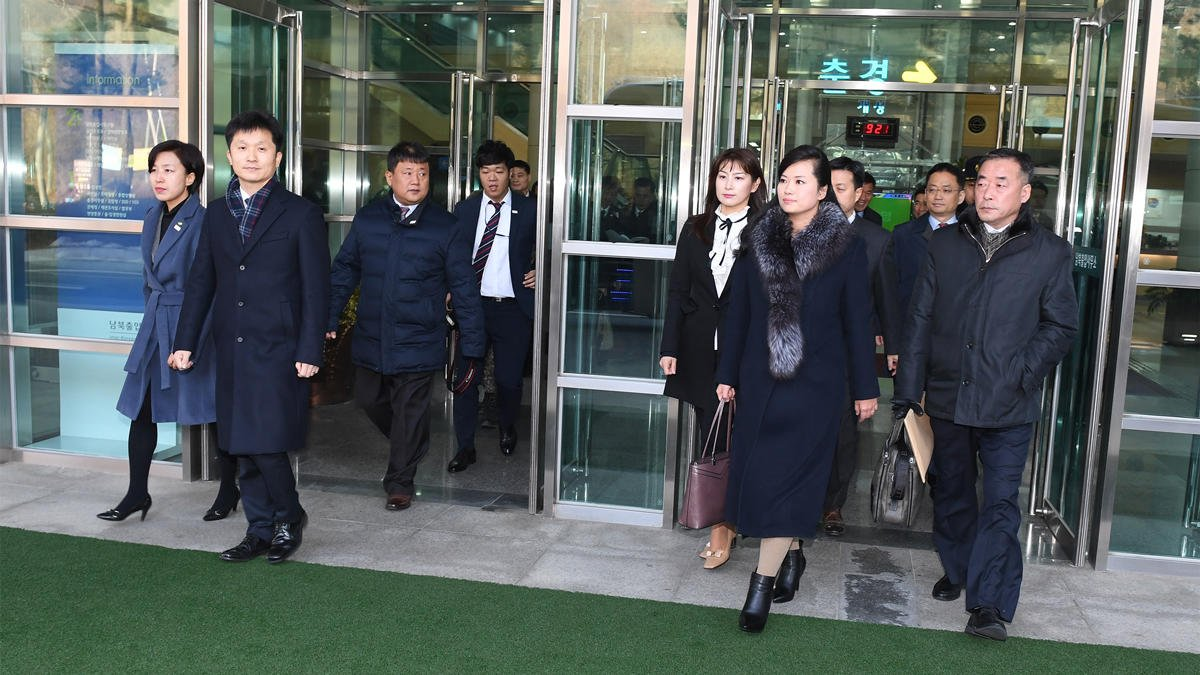 Head of popular girl band leads North Korean team to South Korea https://t.co/zBcIbUws0v
