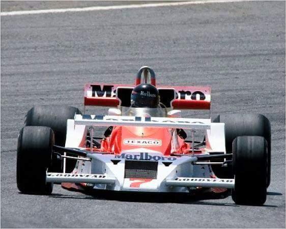 James Hunt - McLaren https://t.co/f2ewYx...
