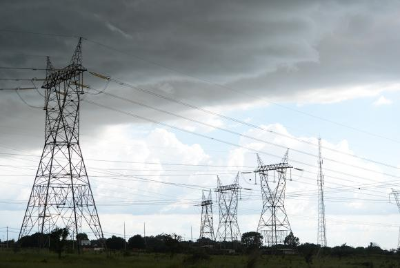 Distribuidora de energia recomenda cautela com rede elétrica durante o carnaval https://t.co/iFwIUSz7oS 📷 Fábio Pozzebom/Agência Brasil