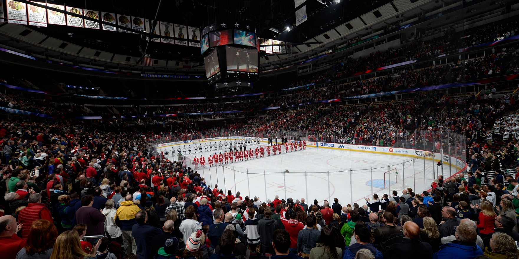 BIG10: Badgers - Jack Berry, Balanced Offense Spearhead Emotional United Center Victory Over No. 1 Notre Dame