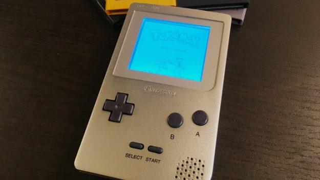 Hyperkin's Ultra Game Boy is basically the old Game Boy on steroids: https://t.co/tqz3EEWUJd #CES2018