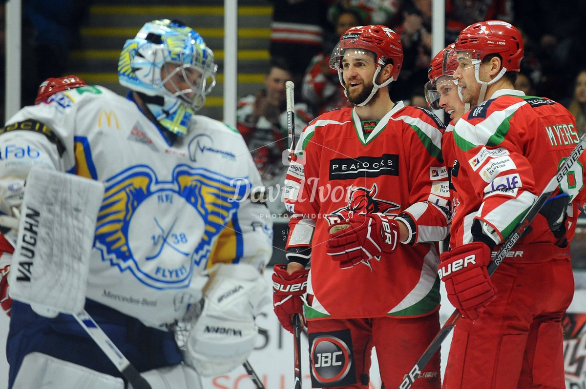 Pictures from @cardiffdevils v @FifeFlye...
