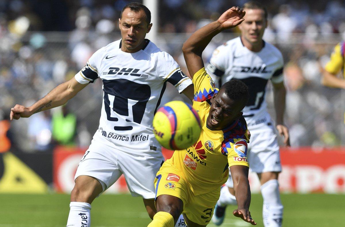 FOTO | La curiosa 'chascarro' de Marcelo Díaz en clásico de Pumas contra el América https://t.co/sz4BD6qSTq