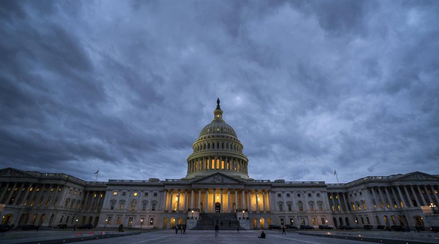 États-Unis. Le Sénat américain reporte à lundi midi le vote sur le 'shutdown' https://t.co/HAFsu9EB5e