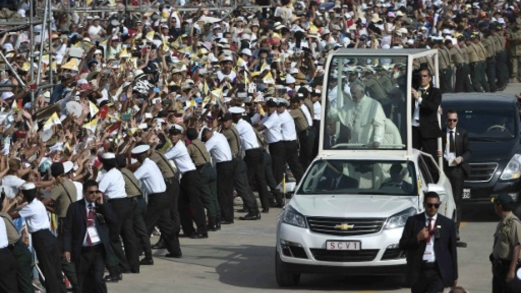 Pope targets corruption in politics ahead of final Peru mass https://t.co/2UuKIksIZt