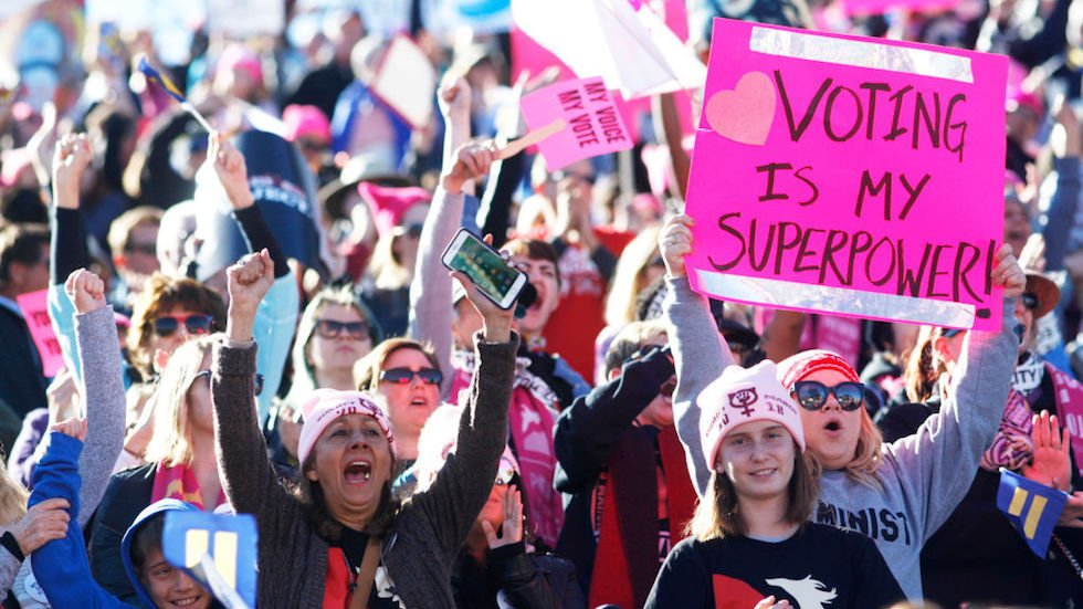 Thousands of women turn out for Women's March rally in Las Vegas https://t.co/ynYecenbha