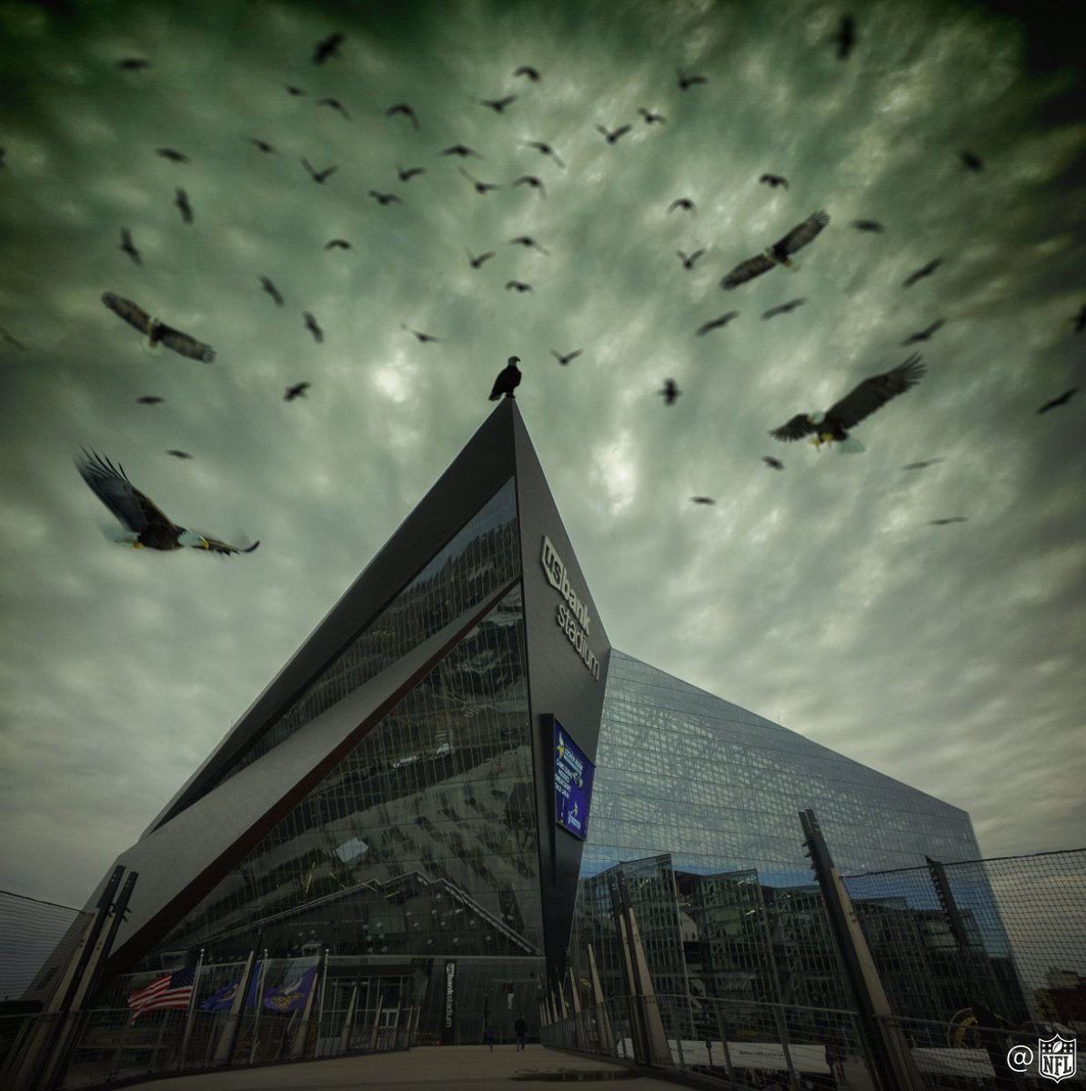 The @Eagles are coming... #FlyEaglesFly #SBLII https://t.co/sO7AUUsaV7