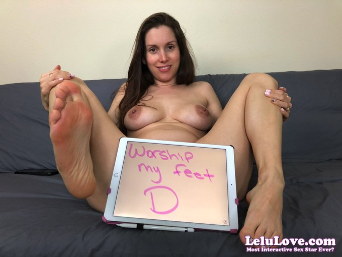 Worship my #feet :) (get your own custom pic here: https://t.co/lm1yXGN4ga) Member Pic: https://t.co
