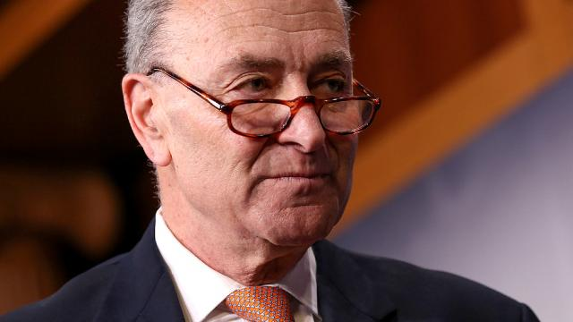 #SchumerShutdown becomes top trending hashtag among Russian bots on Twitter https://t.co/7uICBl6HcJ