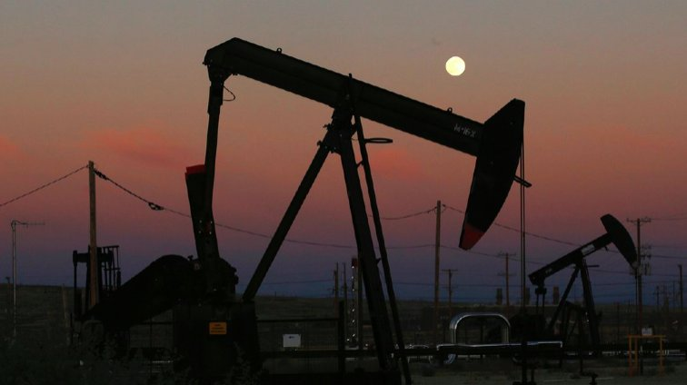 US will surpass Saudi Arabia, rival Russia's oil production in 2018 https://t.co/K92Cl51OpQ