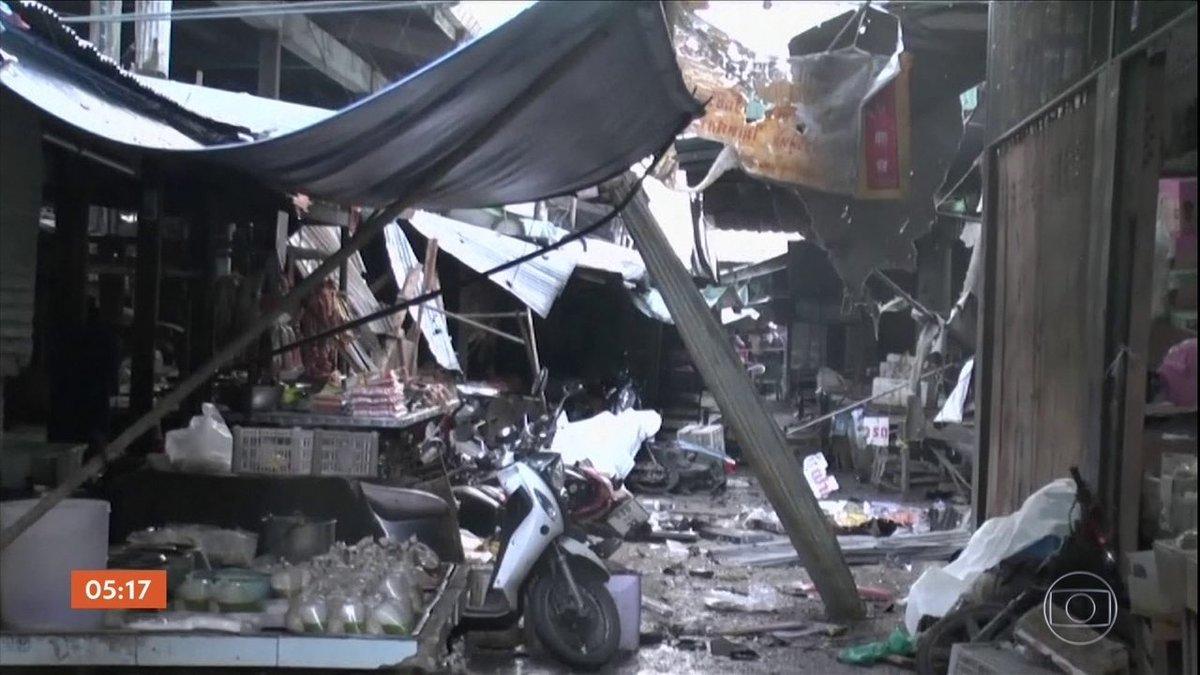 Explosão de bomba em mercado deixa mortos na Tailândia https://t.co/o2RLSKwjf6 #G1