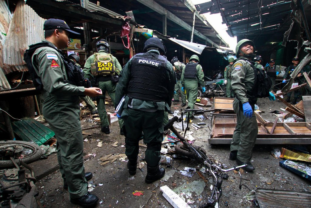 Bomb at pork stall in market in Thailand's south kills three, wounds 22 https://t.co/w85z97kNlE