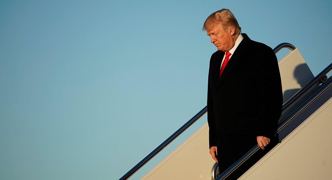 Shutdown throws Trump's Davos trip into doubt https://t.co/KaOWRFq4cF