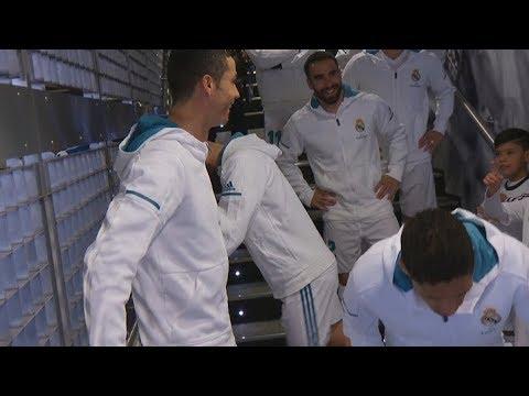 """Il bimbo a Cristiano Ronaldo: """"Sei il migliore del mondo e Messi è..."""". CR7  ... - https://t.co/gYCFW47J5R #blogsicilianotizie #todaysport"""