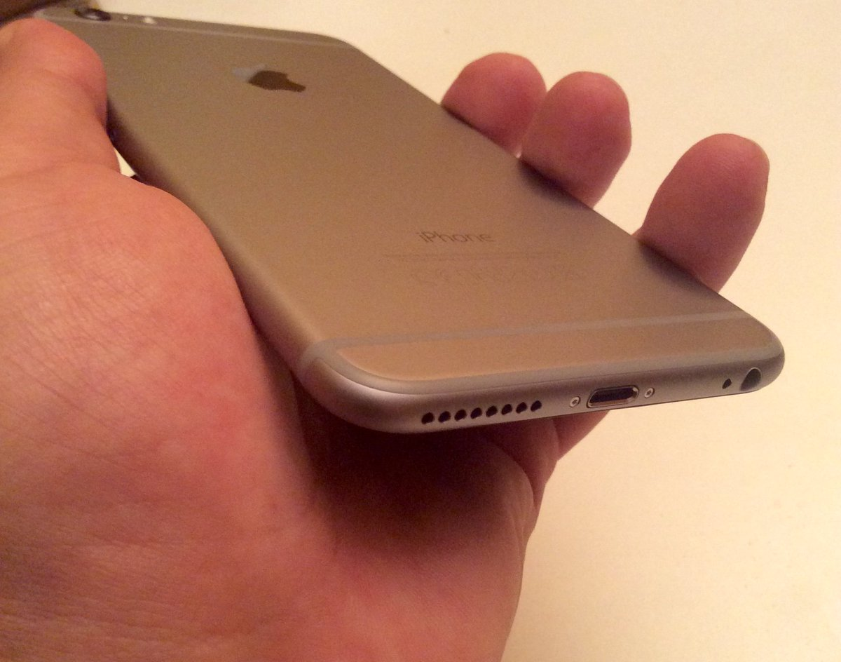 Apple may replace damaged iPhone 6 Plus requiring replacement with iPhone 6s...