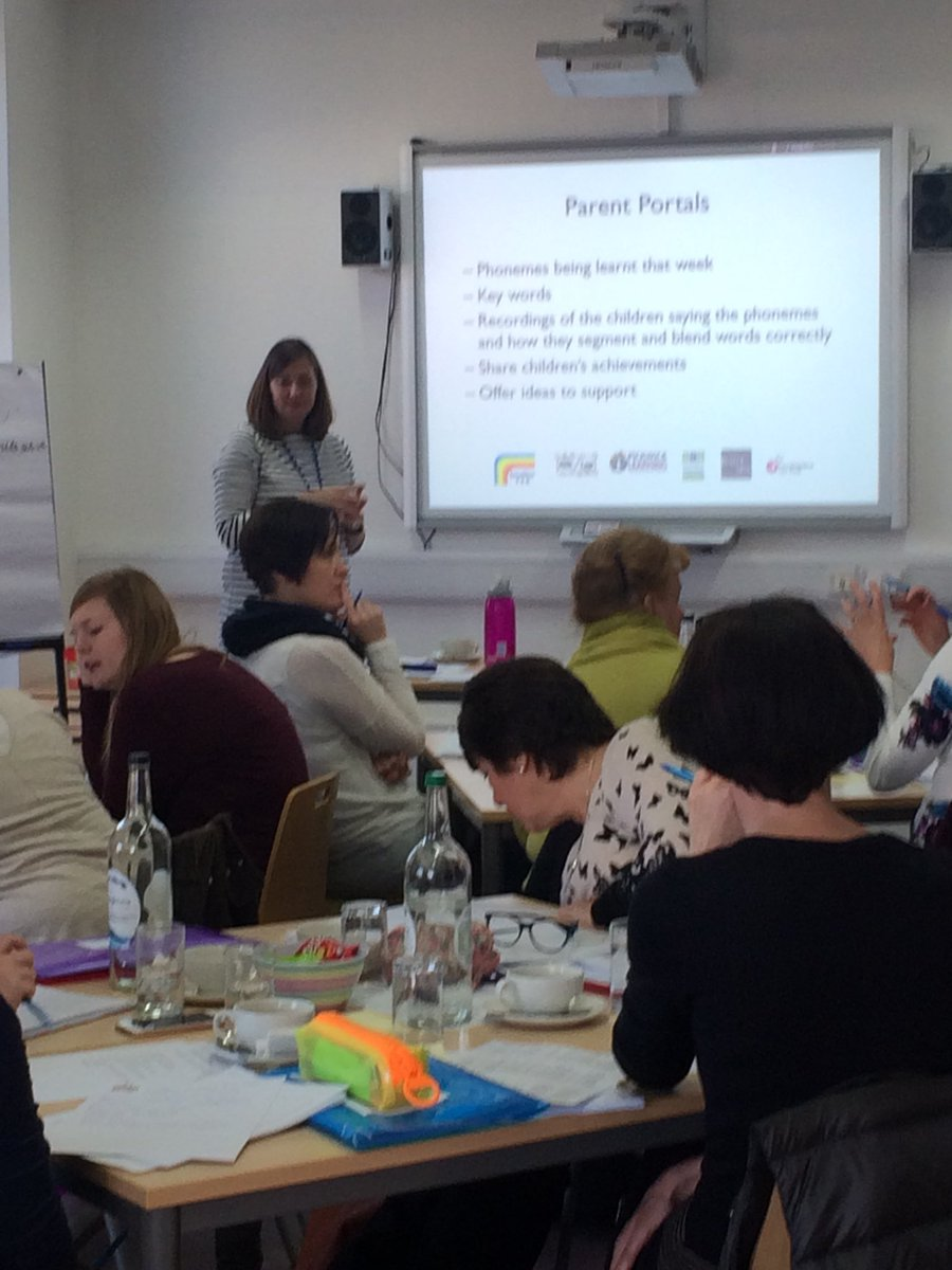 Day 2 of Phonics training for the N Wilts Excalibur hub. Lots of enthusiasm and great discussion led by Jenny Violette @StJohnsMarlb @PickwickLTSA @NexusTeachSch @swindonteachsch