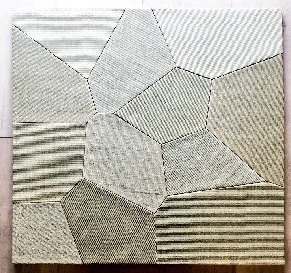 テレビで畳やってるけど、千数百年の歴史の中で天然畳で初めて、変形させる技術生み出したうちの畳もぜひ取材来てくれ