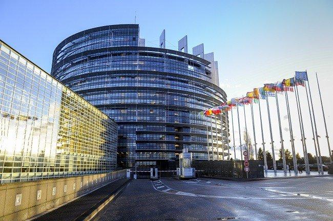 #MEPs urge #US to halt #netneutrality repeal @MarietjeSchaake https://t.co/N8FDx4iakZ