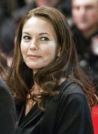 Wishing happy birthday moments to the talented Diane Lane! May this year bring deep roles, rich lines & pay parity!