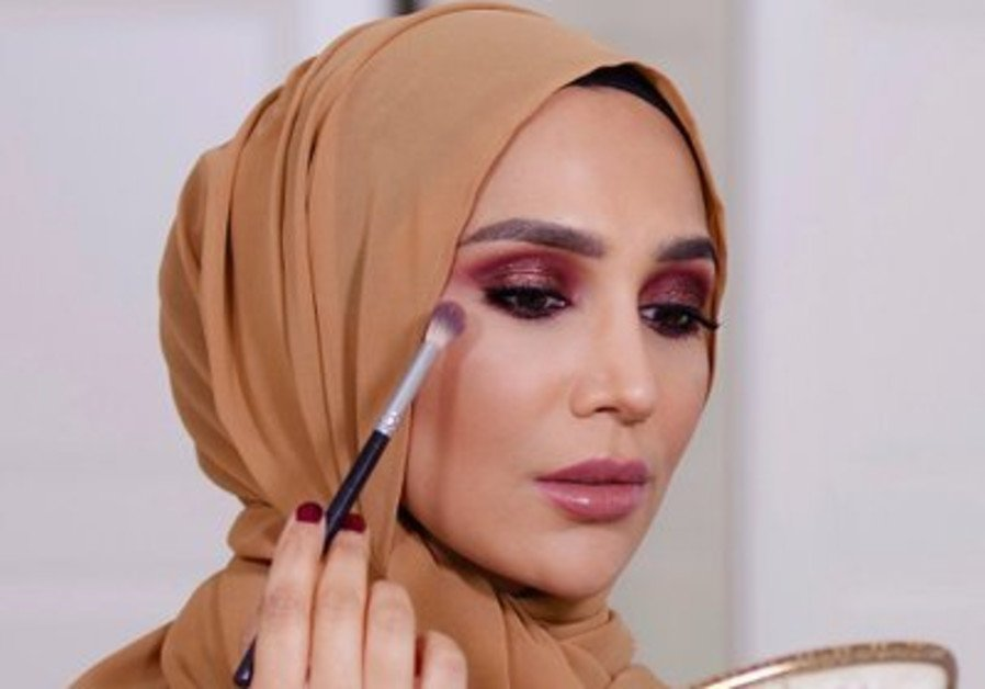 L'Oreal model steps down after anti-Israel tweets uncovered https://t.co/xNhcrVoFfh