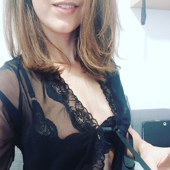 Online dans 15min sur https://t.co/pHXOGf7A4H 🤗🤗 #online #sexy #camgirl #nsfw https://t.co/sFsm7OHiF