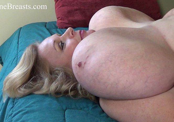 Suzie 44K #bbw On Back Jiggles see more at https://t.co/wGbAWi6ZbG https://t.co/TW8jUAzs3p