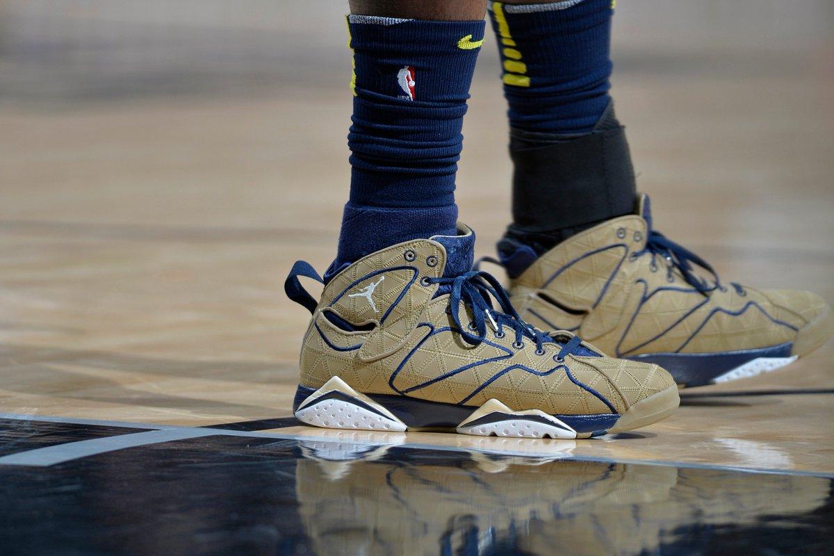 Born Ready brings out the 'Filbert' Air Jordan VIIs while Uncle Drew drops 40 in a new Nike Kyrie 4 PE. Full Kicks of the Night recap ➡️ https://t.co/jLsAvkaHpp
