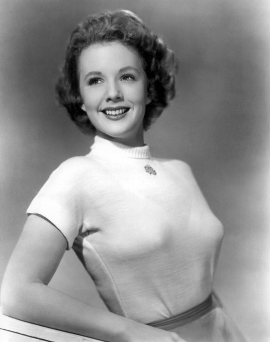 Happy birthday Piper Laurie!!