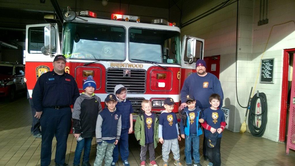 #DCsBravest Engine 8 entertained a group of visiting cub scouts this weekend at their @kpkindc Kingman Park quarters. The community is always welcome at our facilities.