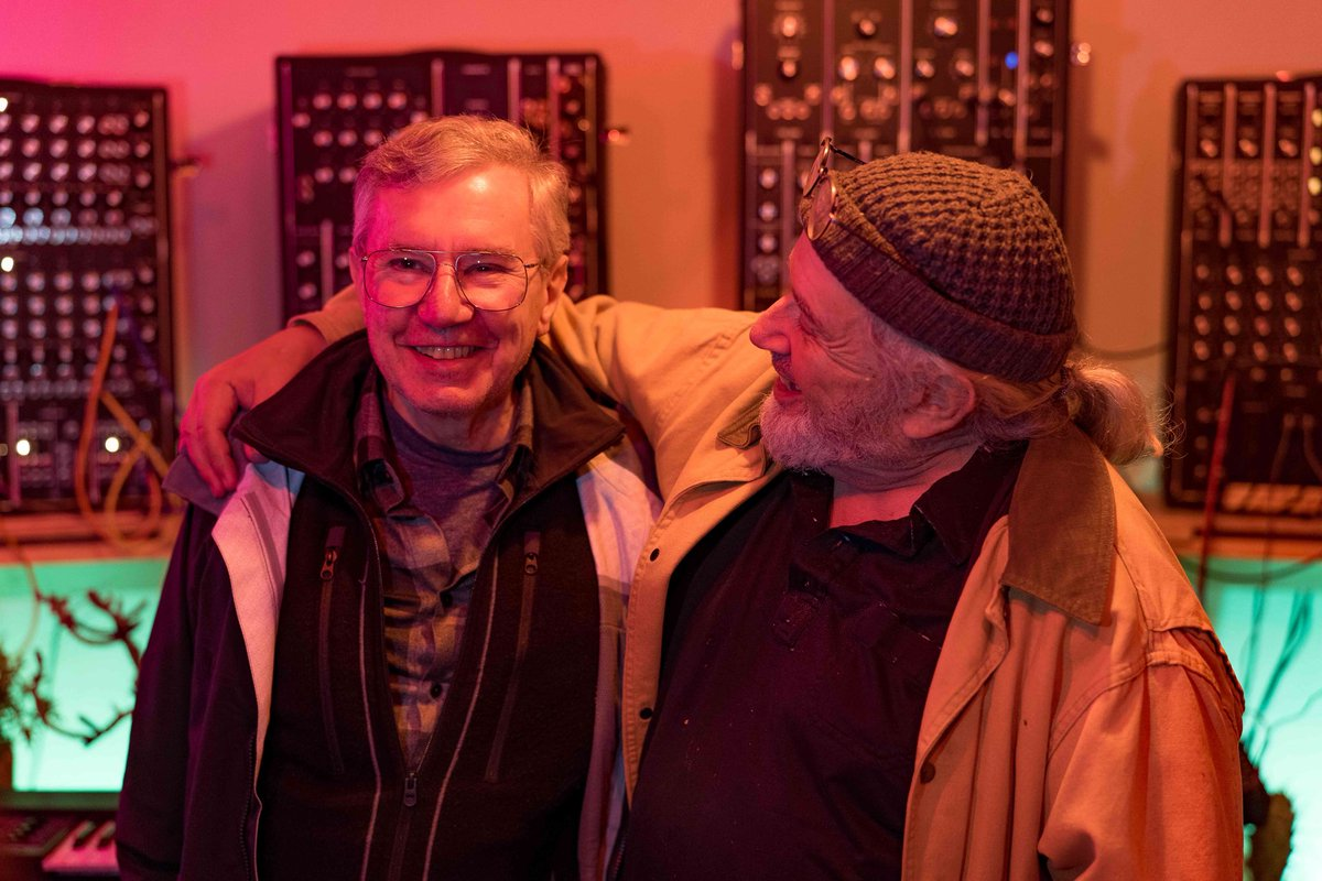 So much history 🙌 a chance meeting between @BernieKrause and Robert @Margouleff at the #Moog #HouseOfElectronicus.