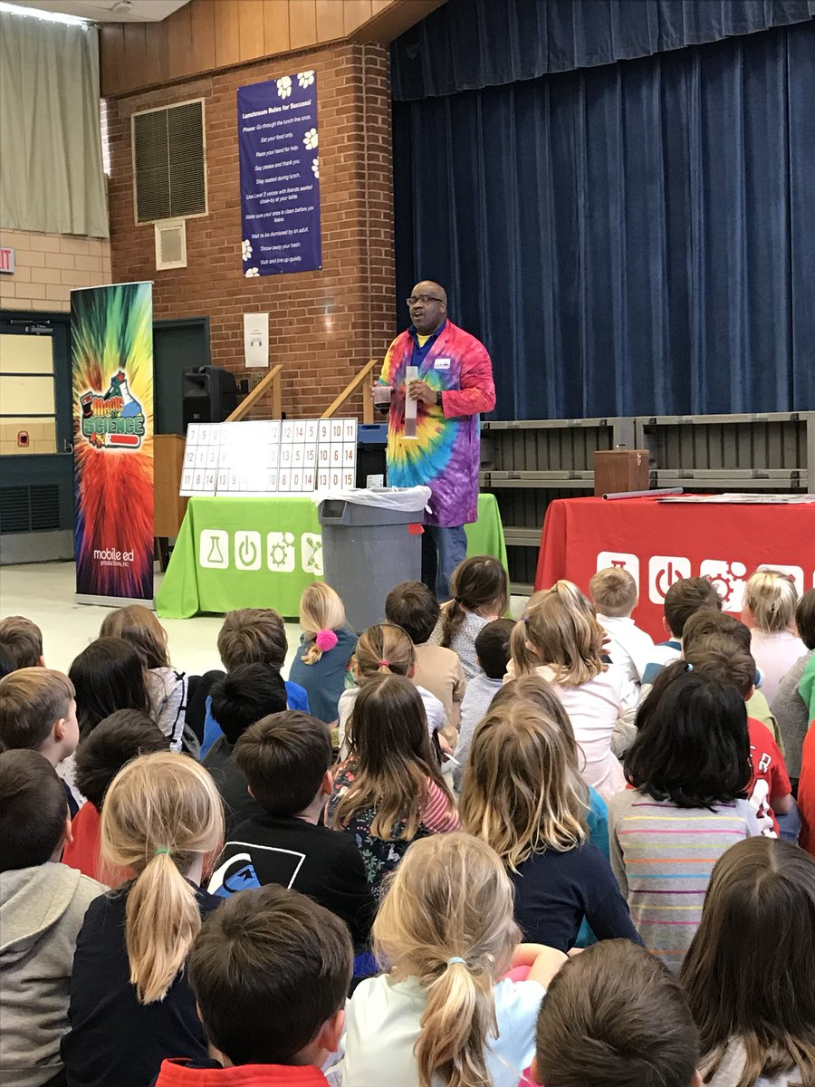 Magic of Science assembly! <a target='_blank' href='https://t.co/CjF77CXOtS'>https://t.co/CjF77CXOtS</a>