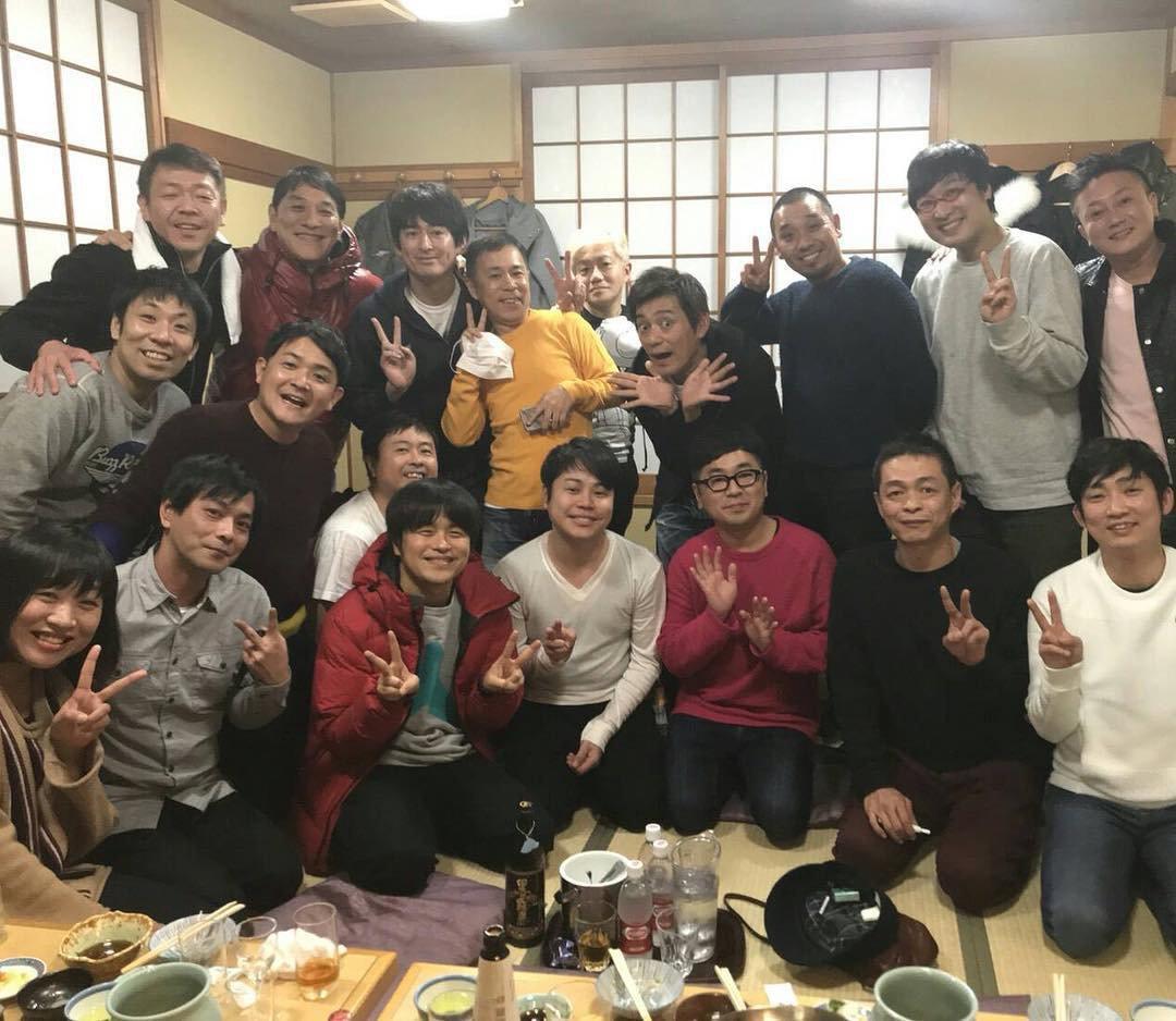 RT @gakuishida: こんな豪華なメンバーでの記念撮影でセンターを陣取る井上。恐ろしい神経ですなぁ。 https://t.co/y43IqIFVsA