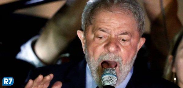Lula deve participar de caminhada com militância em Porto Alegre https://t.co/xBuaBVbfGu