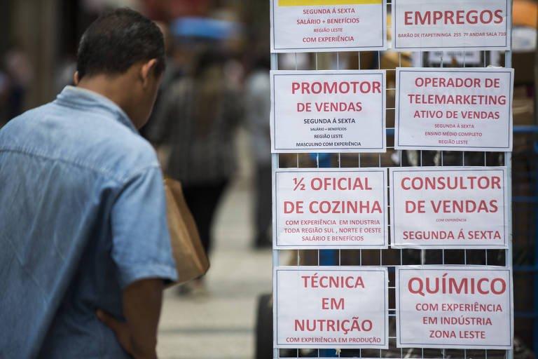 328 mil vagas encerradas em dezembro | Brasil encerra 2017 com saldo de emprego negativo https://t.co/mLtINah6i7
