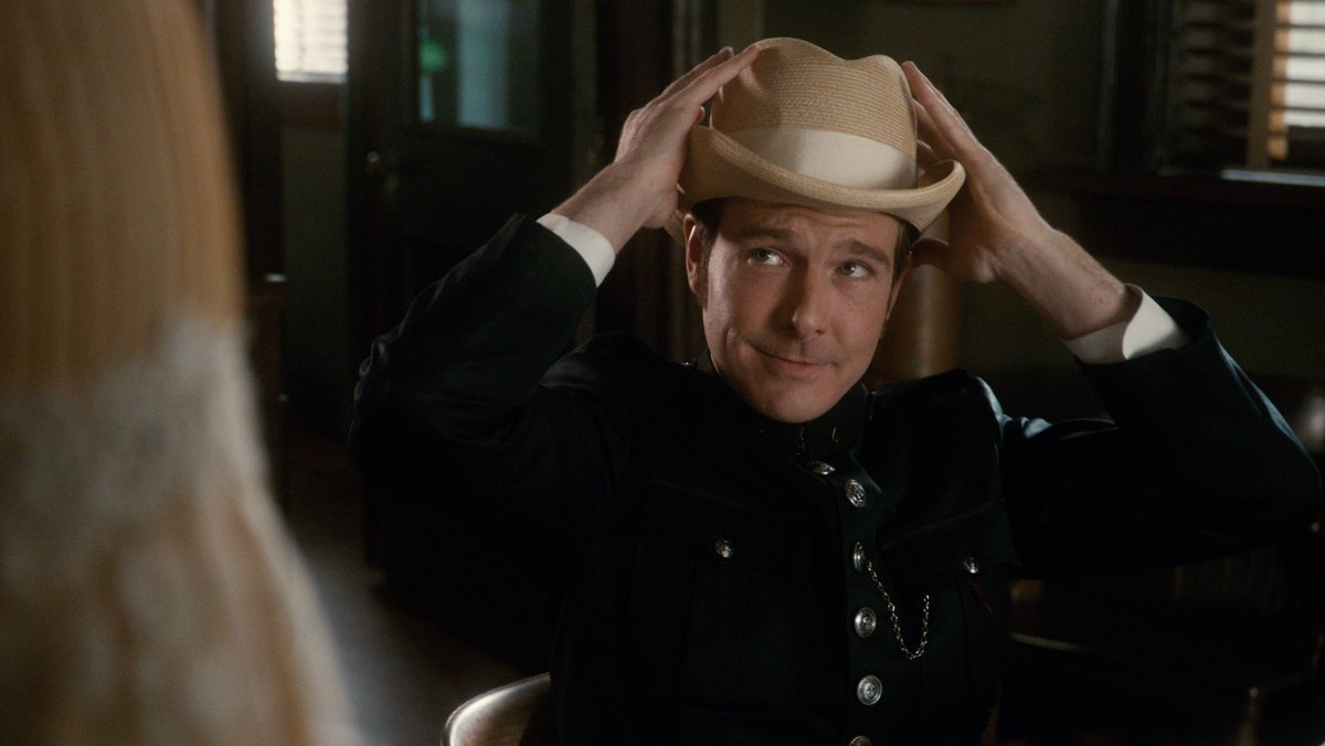 Lookin' good, Higgins! What do we think, yea or nay to the new hat?  How did you like it, @lachmeup??  #MysteryMonday #MurdochMysteries #MMXI
