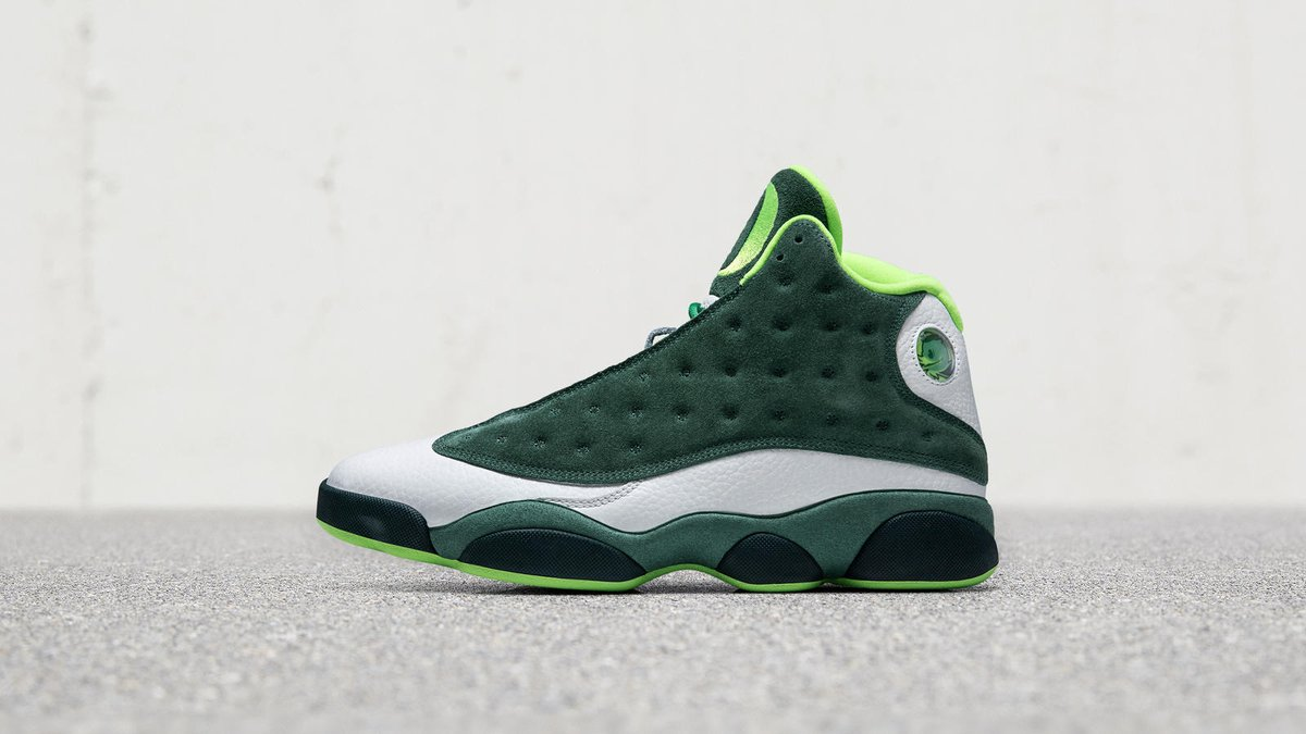 size 40 27556 3e655 The Oregon Ducks have new Air Jordan 13 PEs.pic.twitter.com XsIKFrF5dv