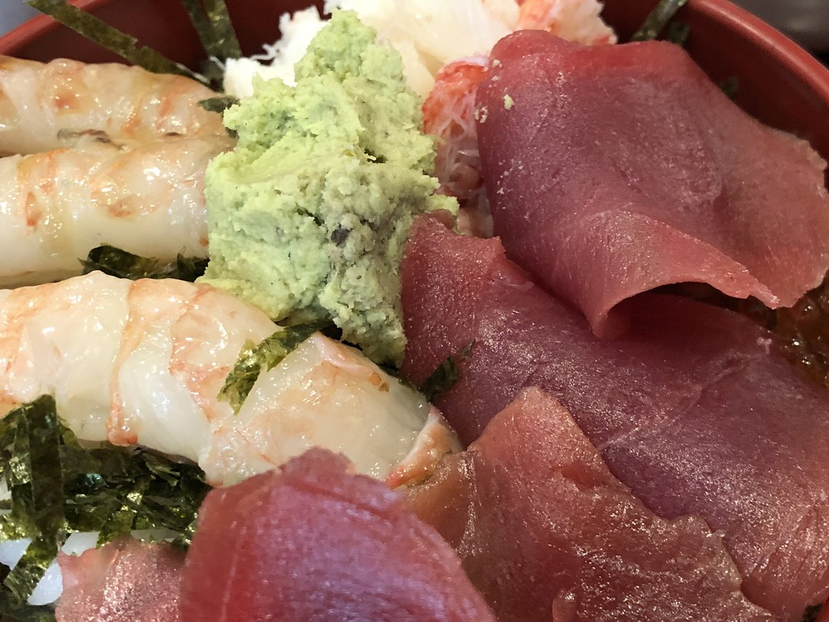 今日の米花さん築地朝ごはん。雪解けミニ海鮮丼でした。 #tsukiji #築地 #築地市場 #築地米花 #yummy #米花 @tsukji_yonehana ごちそうさまでした。今週もありがとうございます。 https://t.co/aUZeM9ynWB